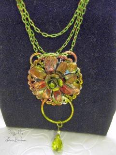 Dazzle-it floral neo chain pendant