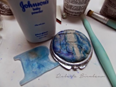 personalized compact with resin